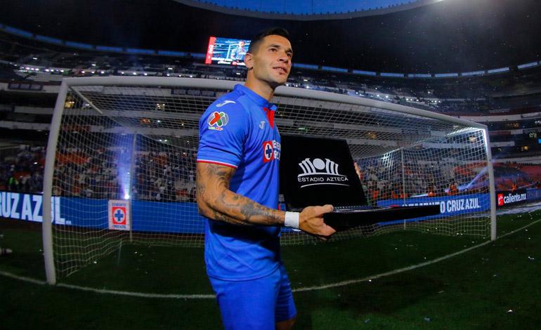 Argentino Caraglio anotó el gol 10 mil en el estadio Azteca