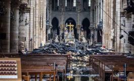 Estado Islámico celebra con afiche destrucción de catedral de Notre-Dame en París