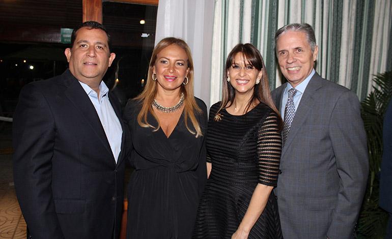 Agustín Torres, Rosibel Torres, Martha Joya, Billy Joya.