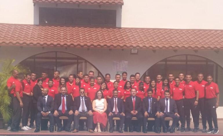 Árbitros hondureños reciben curso RAP FIFA
