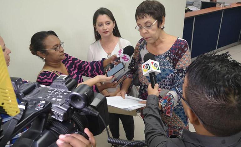 Diputadas de Libre querellan a periodista