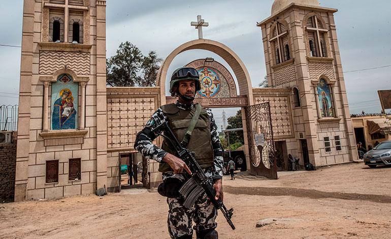 Siete muertos en un atentado suicida en el norte del Sinaí egipcio