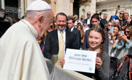 El papa saludó a Greta Thunberg , la activista contra el cambio climático