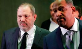 Grupos noticiosos luchan por audiencia abierta a Weinstein