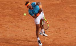 Nadal repunta y derrota a Mayer en tres sets en Barcelona