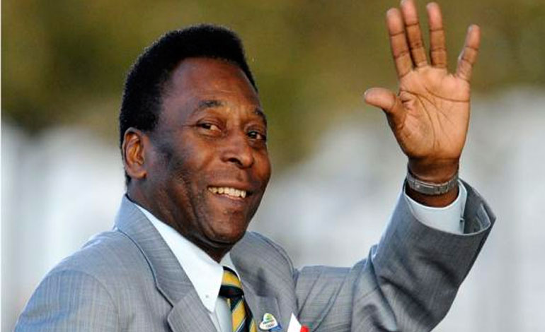 Pelé volverá el lunes a Brasil tras su hospitalización en París