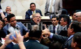 Diputados se enfrentan por aprobación de dictámenes de Salud y Educación (Video)