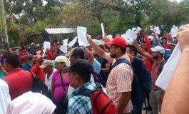 Pobladores de Tocoa llegan a la CSJ a protestar contra concesiones mineras