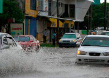 En alerta a inundaciones por las fuertes lluvias en el territorio nacional, advierte Copeco.