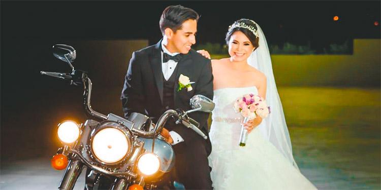 Nadia y Cristiam felices  luego de prometerse amor por el resto de sus vidas.