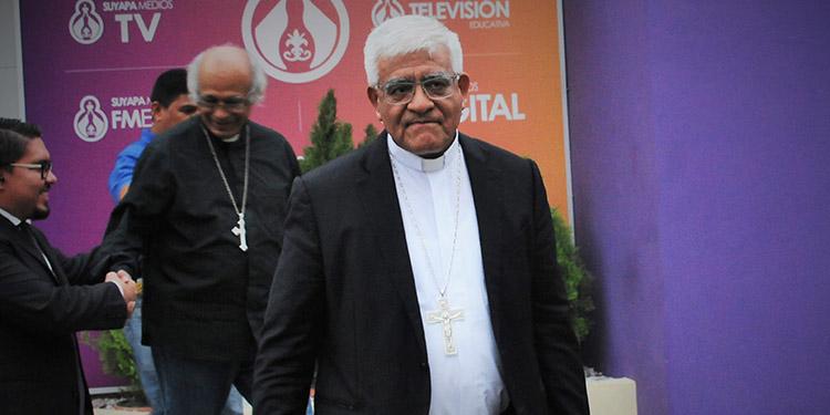 Monseñor Héctor Miguel Cabrejos, arzobispo de Trujillo, Perú.