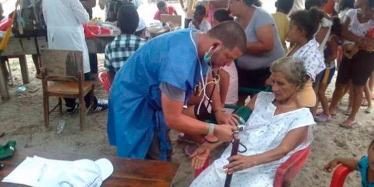 Brigada de médicos cubanos se van del país, a la espera de la renovación del convenio.