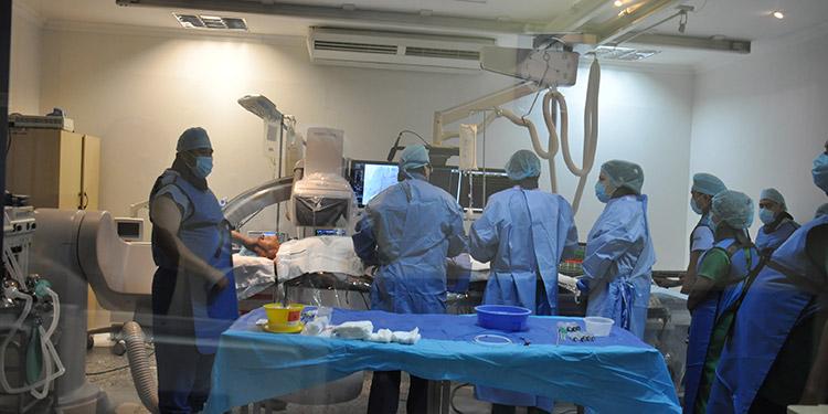 La cirugía de ablación de fibrilación auricular con procedimiento especializado en electrofisiología cardíaca, trata arritmias y es común en otros países, pero en Honduras no se había practicado.