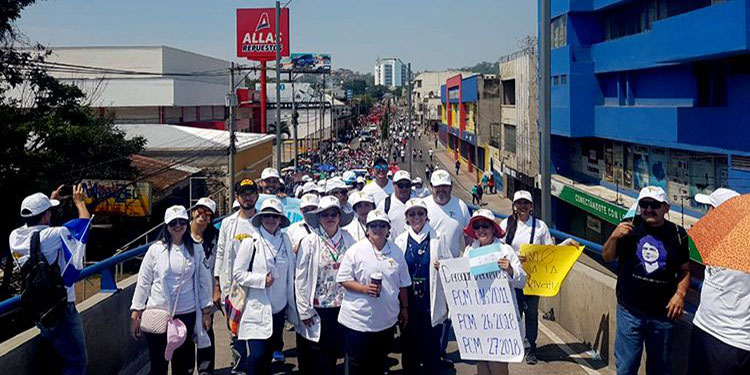Las manifestaciones en las calles continuarán hoy, en distintos sectores del país.