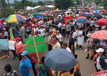 Médicos y maestros anunciaron manifestaciones para la próxima semana si no reciben respuesta a sus peticiones.