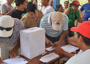 Las urnas estaban identificadas por cada una de las nueve comunidades participantes.