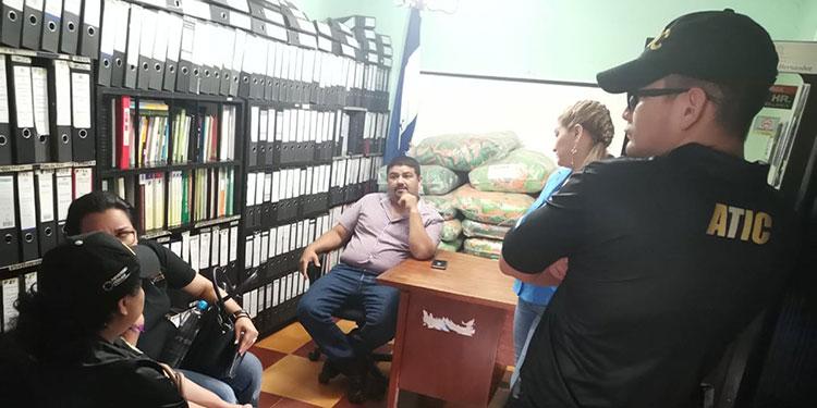 La ATIC secuestró documentos en la municipalidad de Valladolid, Lempira en torno a denuncia por malversación en contra de exalcalde del período 2006 - 2010