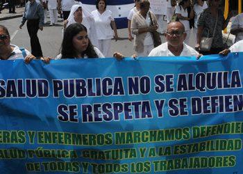Las enfermeras y enfermeros auxiliares de varias partes del país llegaron ayer a Tegucigalpa para participar en las manifestaciones.
