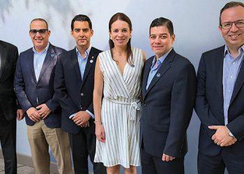 La alianza fue presidida por Daniel Stiefken, director de JP Morgan Chase y los ejecutivos nacionales y regionales de Ficohsa, Javier Atala, Ricardo Carias, Diana Carina Reyes, Jose Alvarado y Alejandro Chamorro.