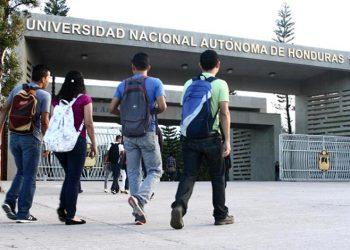 Proponen apoyo a jóvenes universitarios con fondos de becas 20/20