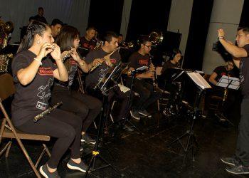 La BJ504 también realizó una serie de conciertos en distintos sectores del país.
