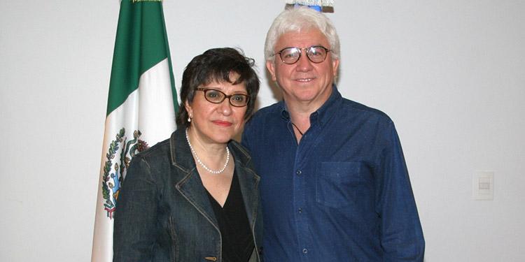 La embajadora Dolores Jiménez junto a su esposo Tomás Díaz