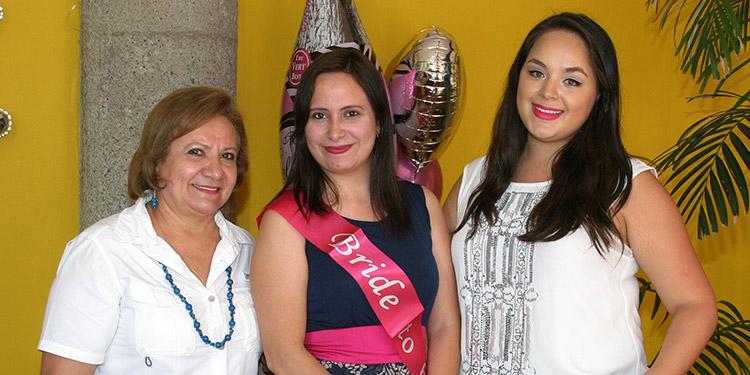 Auxiliadora Aguilar, Isis Rubio, Rocío Velásquez.