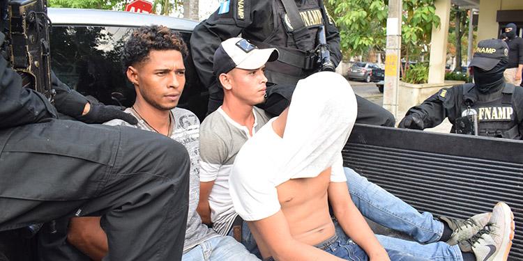 Los detenidos fueron puestos a la orden de las autoridades correspondientes por varios delitos que tendrán que ser probados por la parte acusatoria.