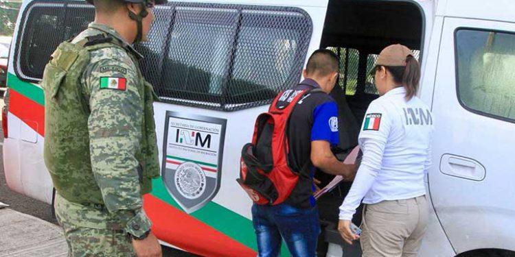 Detienen en Oaxaca a presunta cónsul de Nicaragua con 3 migrantes cubanos