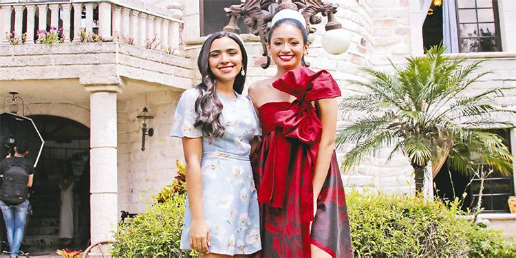 Anna Lucía Romero y Andrea Licona.