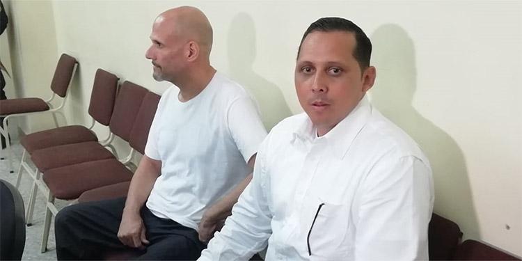 Los dos encausados se encuentran con la medida de prisión preventiva, uno de ellos no fue trasladado por el INP, por lo que se reprogramó el juicio.