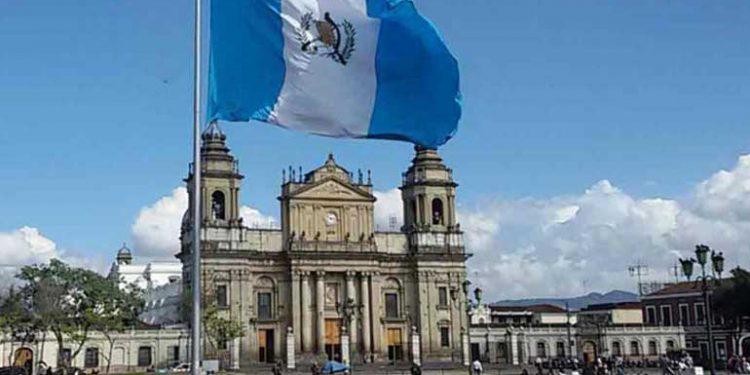 Comienza toque de queda total en Guatemala para contener propagación de coronavirus