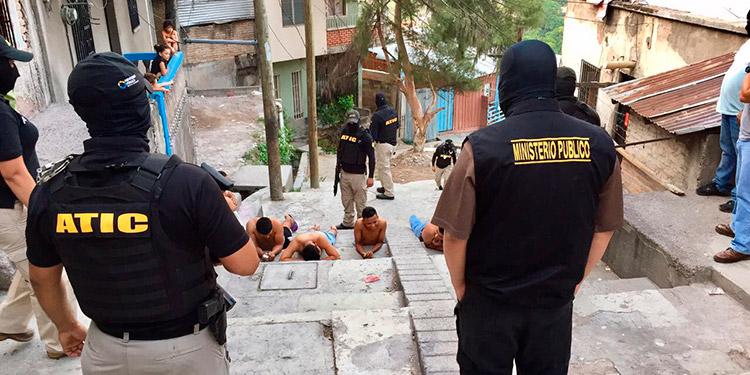 Agentes de la ATIC le dieron captura a los encausados en el 2017 por este caso.