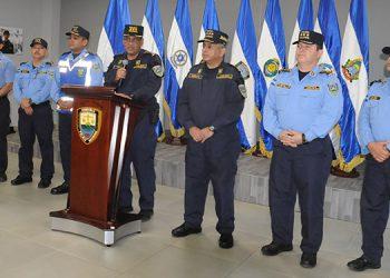 Mediante conferencia de prensa las autoridades de la Policía Nacional resaltaron las condiciones laborales de los uniformados.