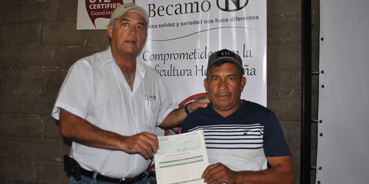 Alrededor de 200 cafetaleros de Siguatepeque, Comayagua, fueron premiados por sus cafés diferenciados.