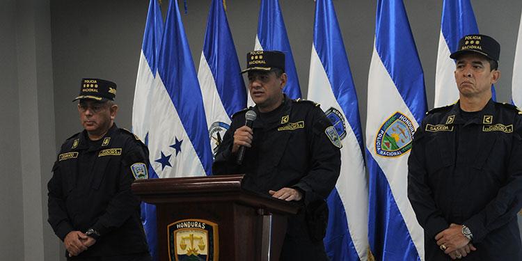 Las autoridades de la Policía Nacional ayer en conferencia de prensa ratificaron que van a cumplir con lo acordado en el acta de compromiso que firmaron con los policías sublevados.