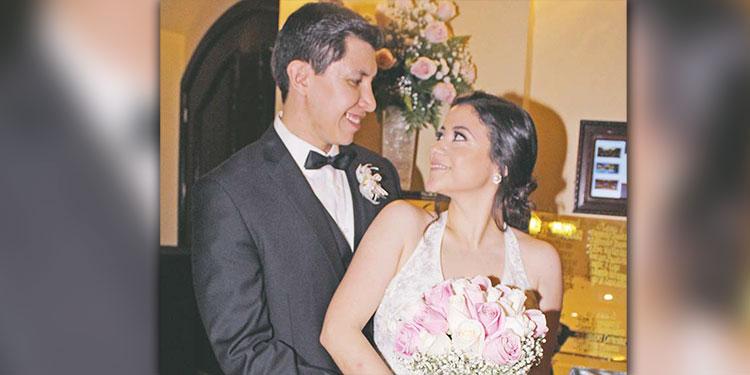 Raúl Osorio y Claudia Castañeda partirán este sábado a los Estados Unidos, donde fijarán su residencia.