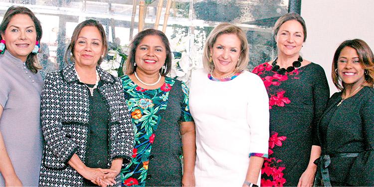 Patricia Panting, Blanca Moreno, Betzaida Guerrero, Gladys Aurora López, Alcira Kindley, Yanirys Montás.