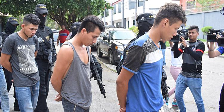Los supuestos extorsionadores fueron llevados ante autoridades competentes junto a evidencia recopilada por la Policía Nacional.