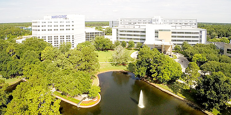 El Hospital Clínica Mayo se localiza en Rochester, Minnesota, Estados Unidos.
