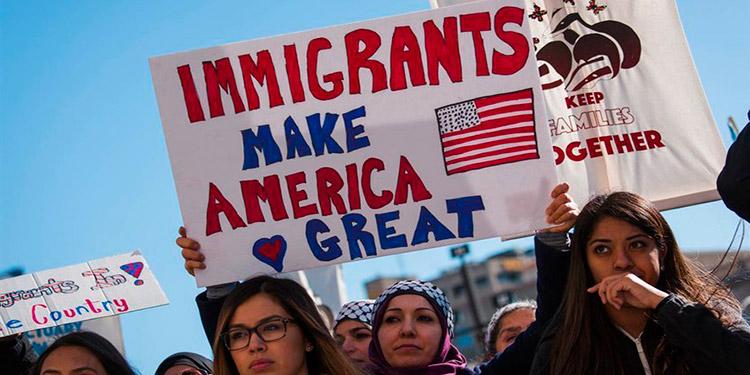 El Supremo de EEUU estudiará las trabas migratorias por 'carga pública'