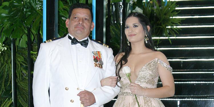 Arturo Larios y Andrea Larios