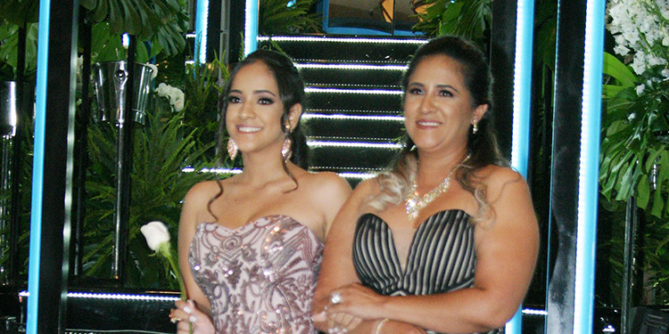 Domique Pineda y Michelle Ochoa