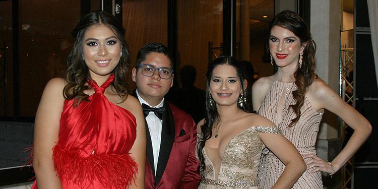 Isabella Rivas, Moíses Salinas, Andrea Larios, Paola Caminals.