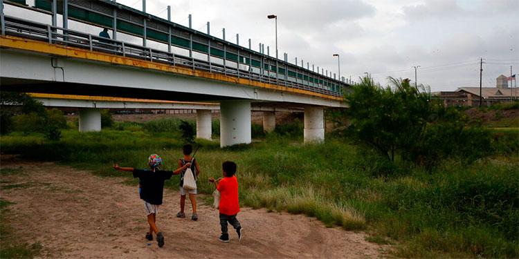 Muere en promedio un niño migrante al día desde 2014