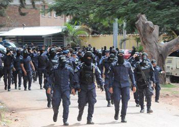 """El paro de """"fusiles caídos"""" comenzó en el Comando de Operaciones Especiales """"Cobras"""", por parte de agentes de la Dirección Nacional de Fuerzas Especiales (DNFE)."""