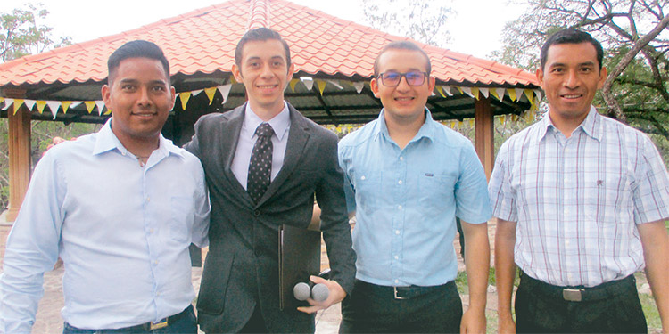 Israel Orellana, Alberto Enamorado, Bryan Guerra, Celio Martínez.