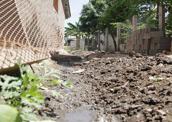 Se ha hecho un llamado para que la población no mantenga agua sucia estancada.