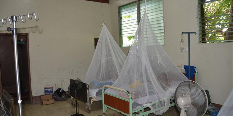 Las autoridades sanitarias expusieron a diversas autoridades e instituciones privadas la situación del dengue en el departamento sureño.