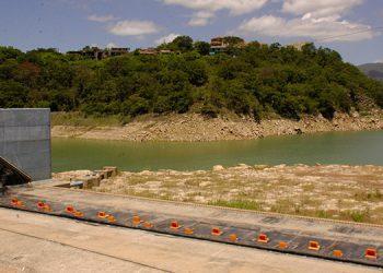 Las represas capitalinas se encuentran azolvadas con una gran cantidad de sedimento.